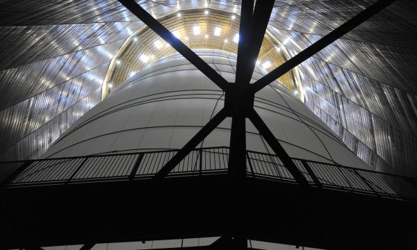 Chiristo  Big Air Package  ガスタンクの内部と布製作品