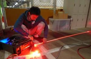 フレームに仕込む光源をテスト中