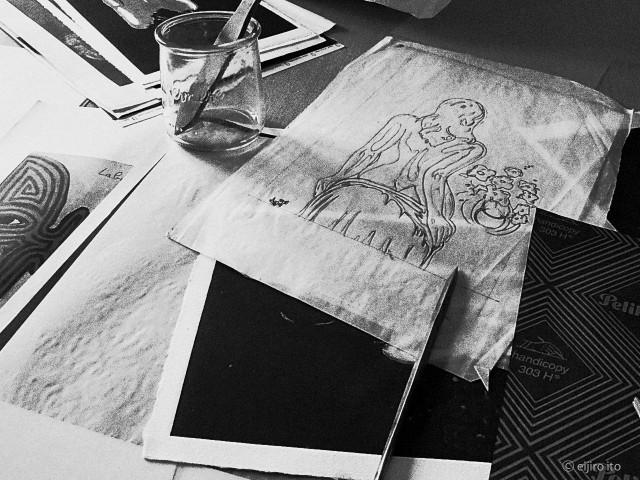 アトリエでの版画製作過程